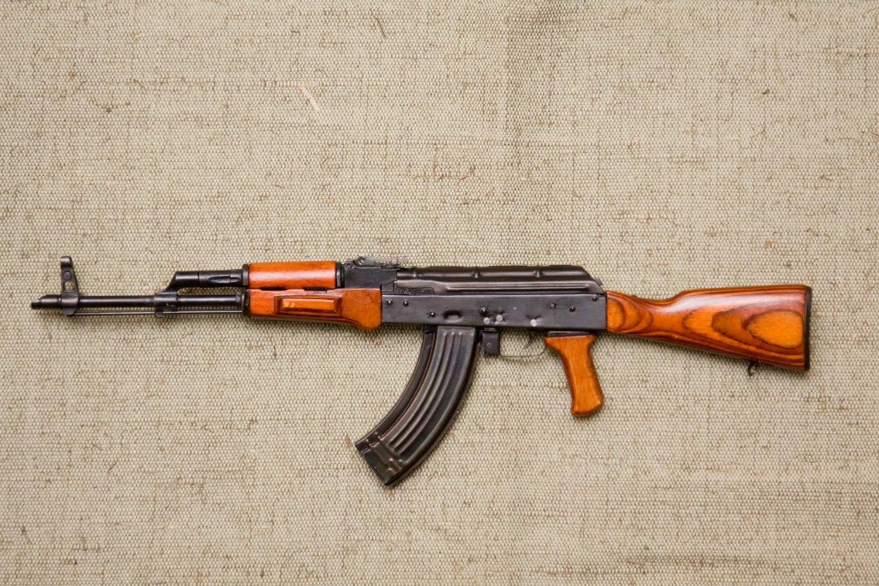 Макет автомата Калашникова АК-47 в масштабе 1:3