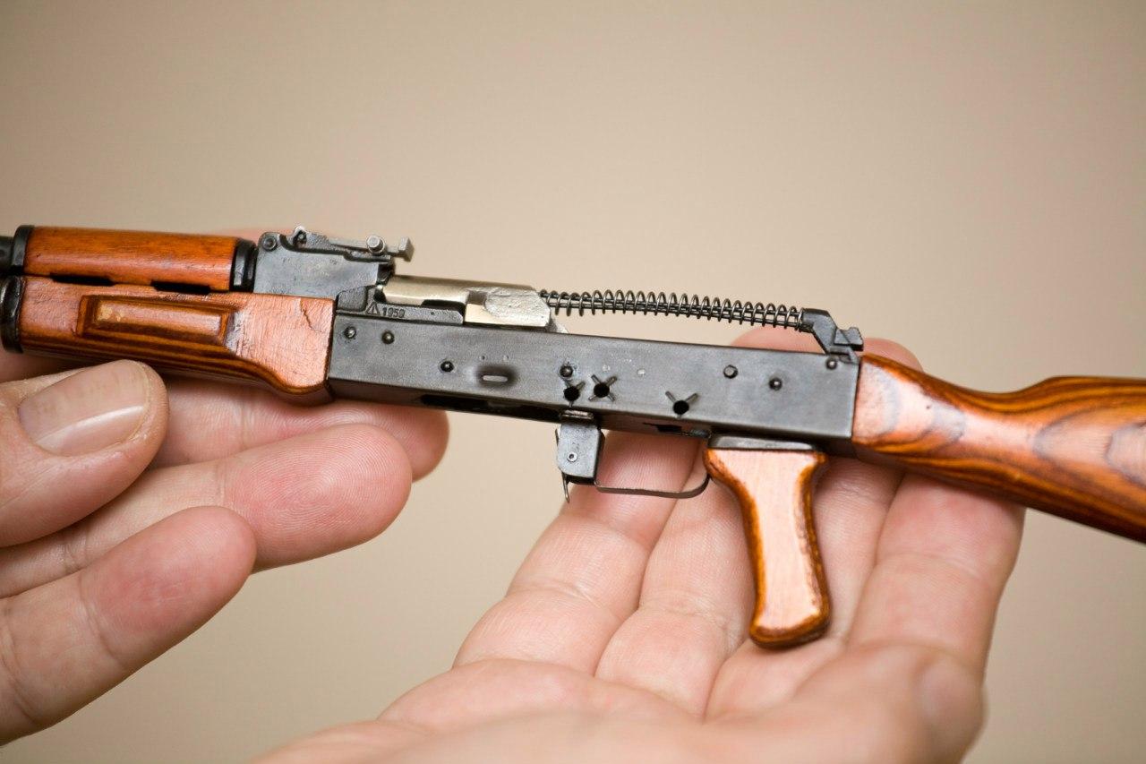 Автомат АК-47 1:3 изображение 5