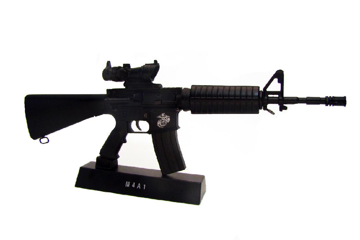 Макет автоматического карабина Colt AR15 в масштабе 1:3