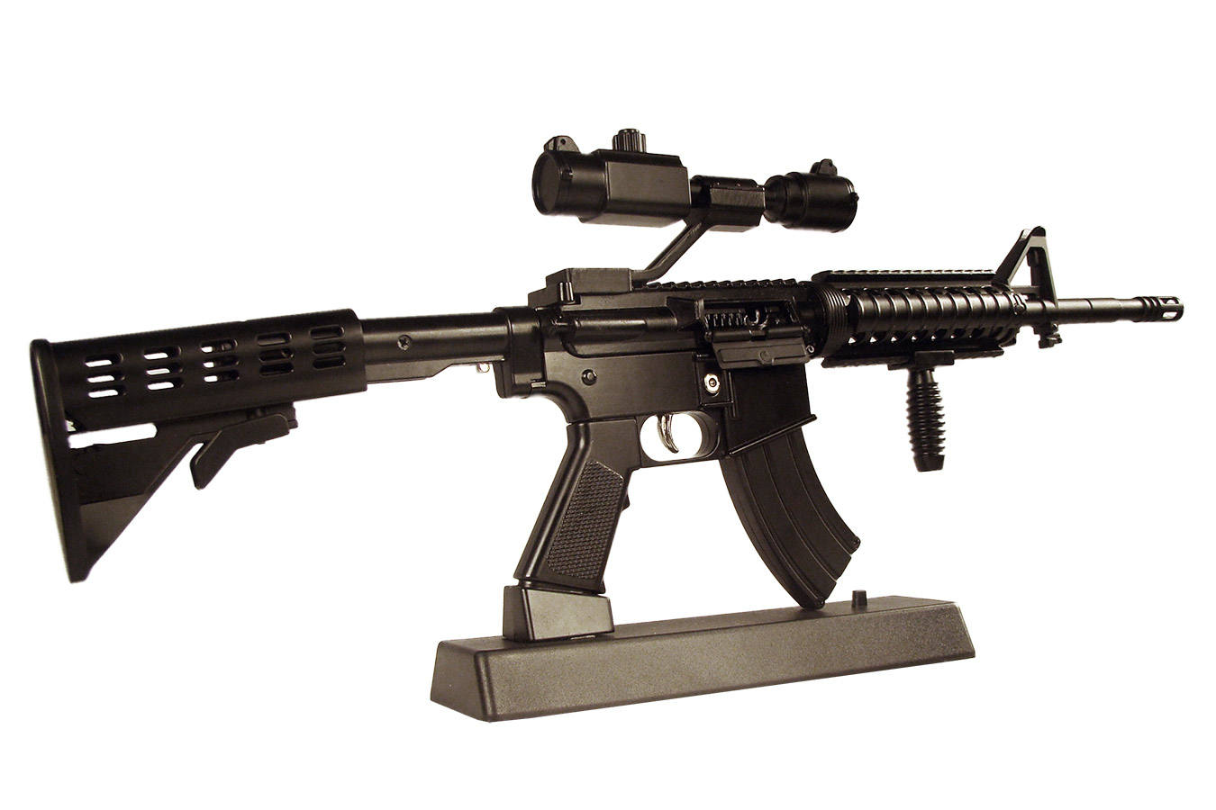 Макет автоматического карабина Colt M4 в масштабе 1:2