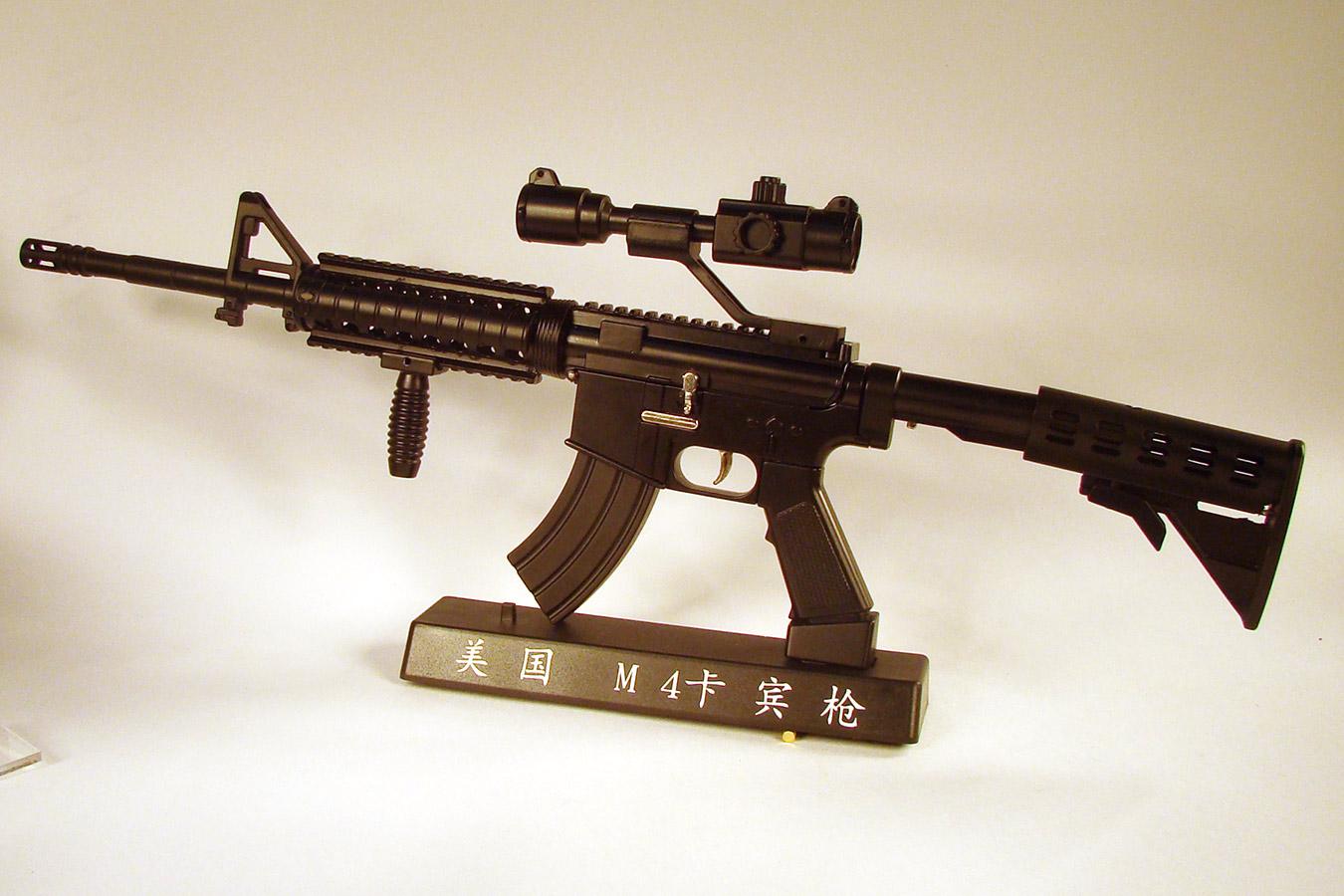 Colt M4 в масштабе 1:2 изображение 0