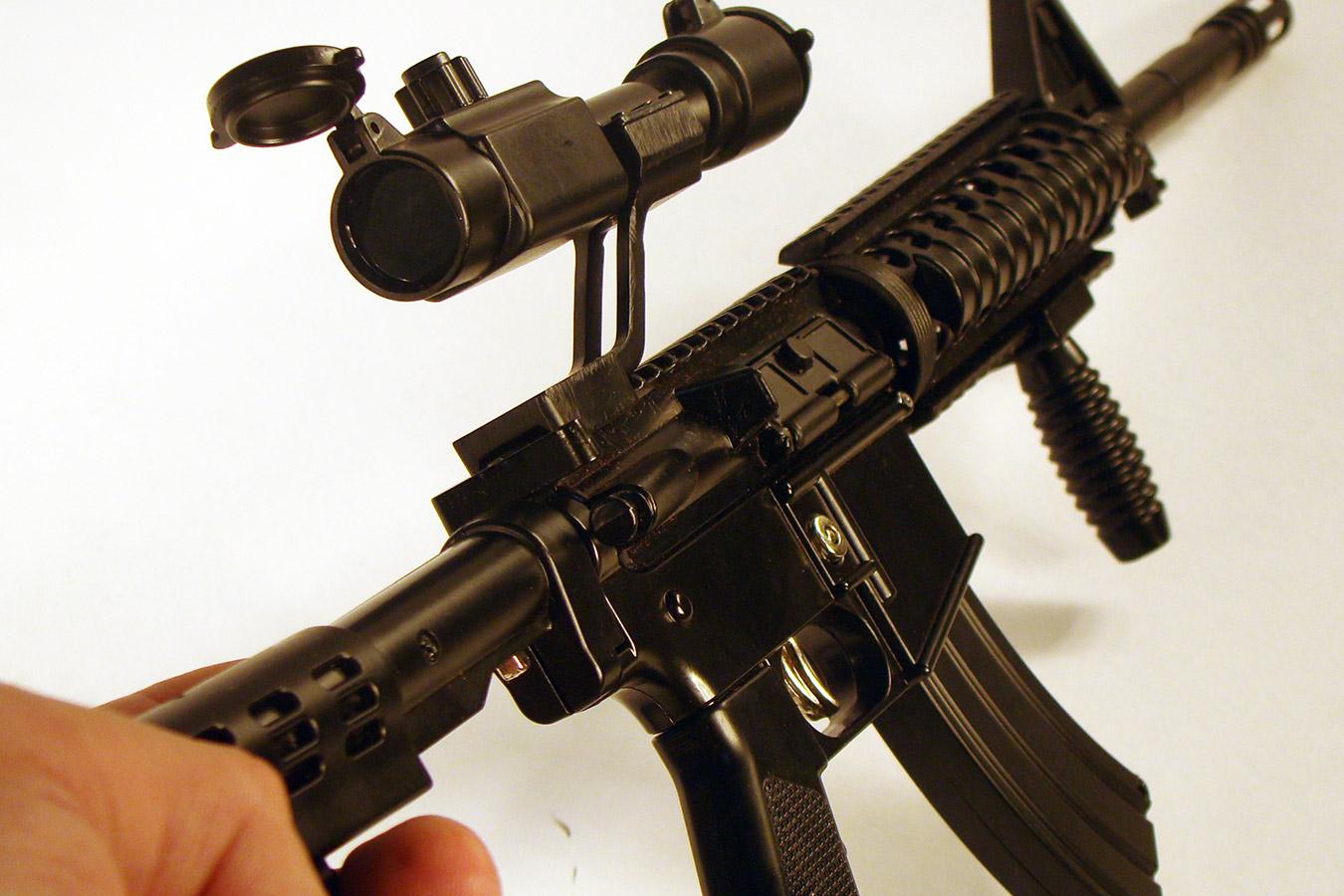 Colt M4 в масштабе 1:2 изображение 3