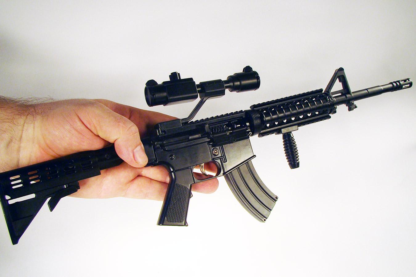 Colt M4 в масштабе 1:2 изображение 5