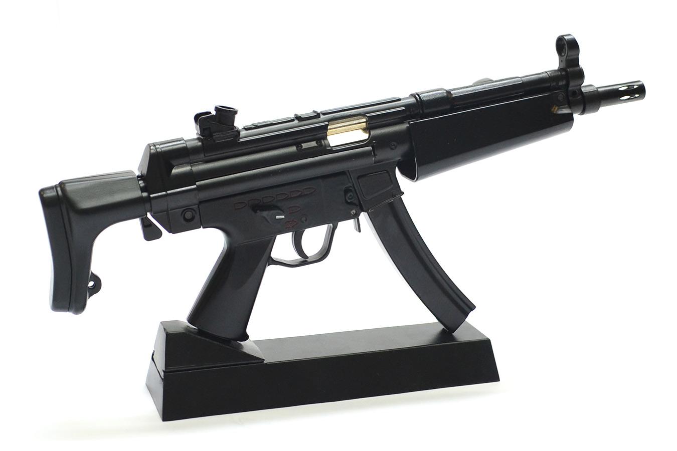 Макет автомата Heckler und Koch MP-5N в масштабе 1:3