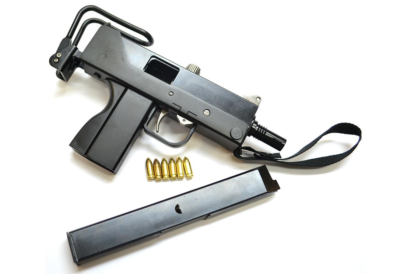 Макет пистолета-пулемета MAC Ingram Model 10 в масштабе 1:2