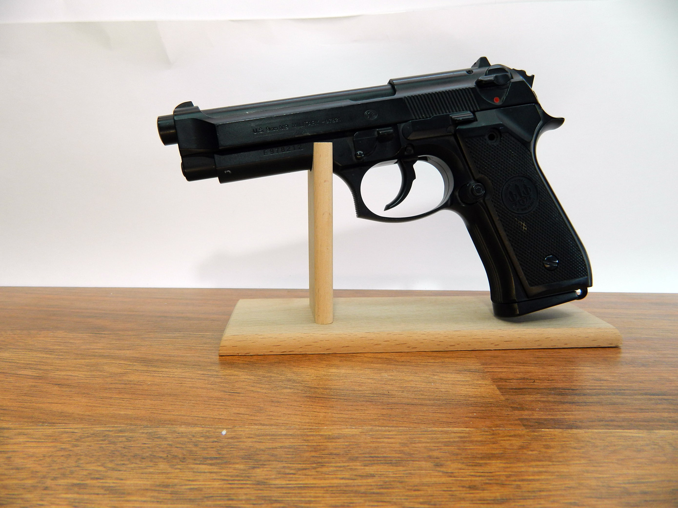 Подставка для пистолета изображение 3