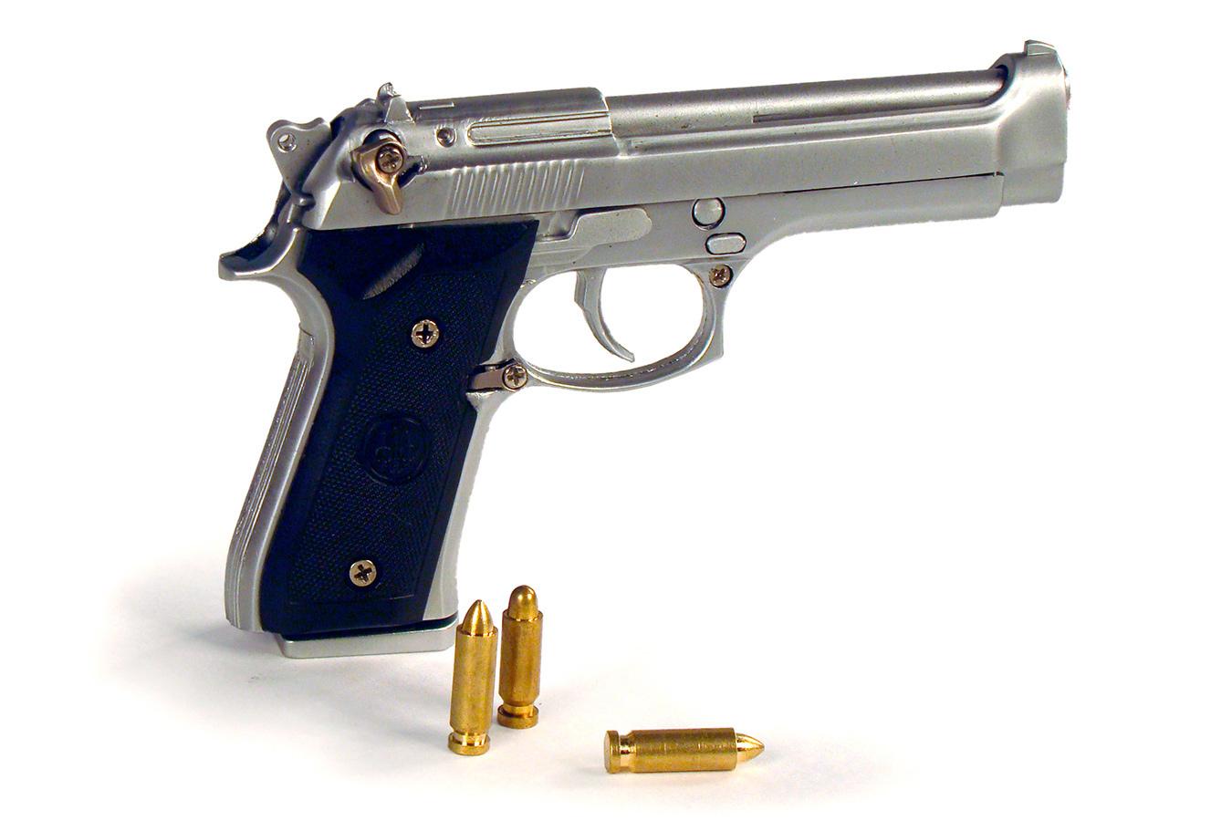 Макет пистолета Beretta 92FS в масштабе 1:3 [PDMA12]