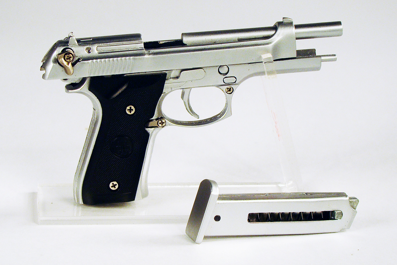 Beretta 92FS 1:3 изображение 1