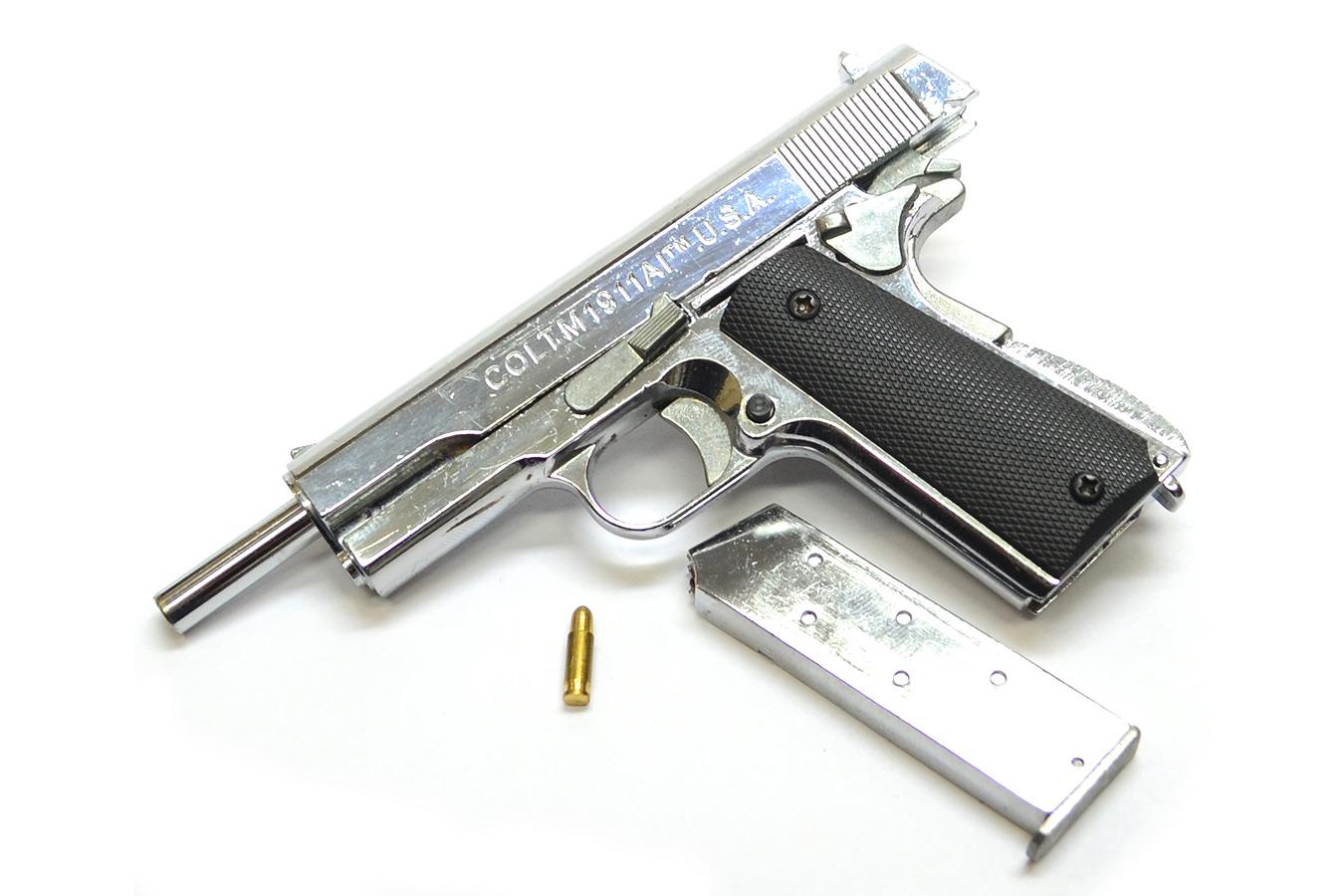 Макет пистолета Colt M1911 в масштабе 1:2