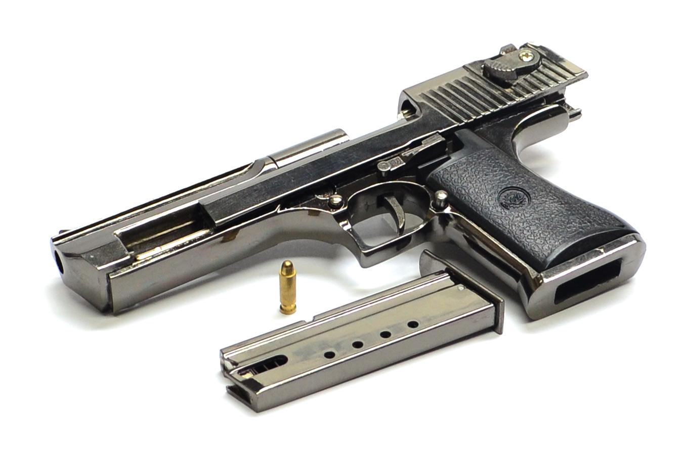 Макет пистолета Desert Eagle в масштабе 1:2
