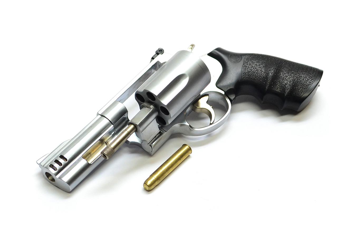 Макет револьвера Smith & Wesson Model 500 магнум со стволом длиной 102 мм в масштабе 1:2