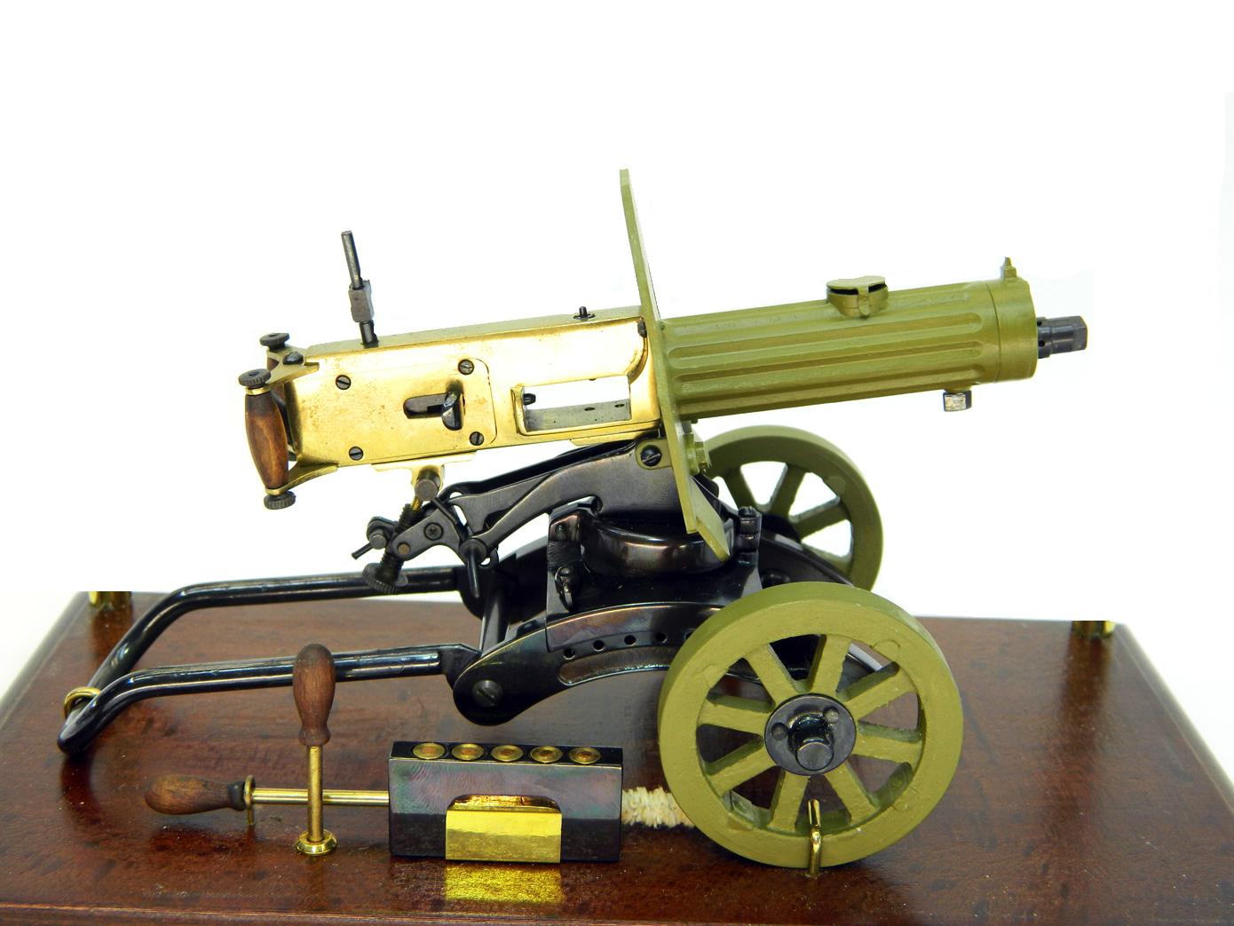 Пулемет Максим в масштабе 1:8