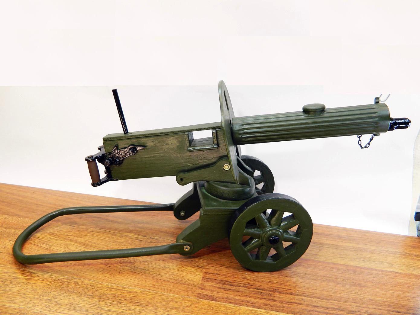 Пулемет Максим дерево изображение 2