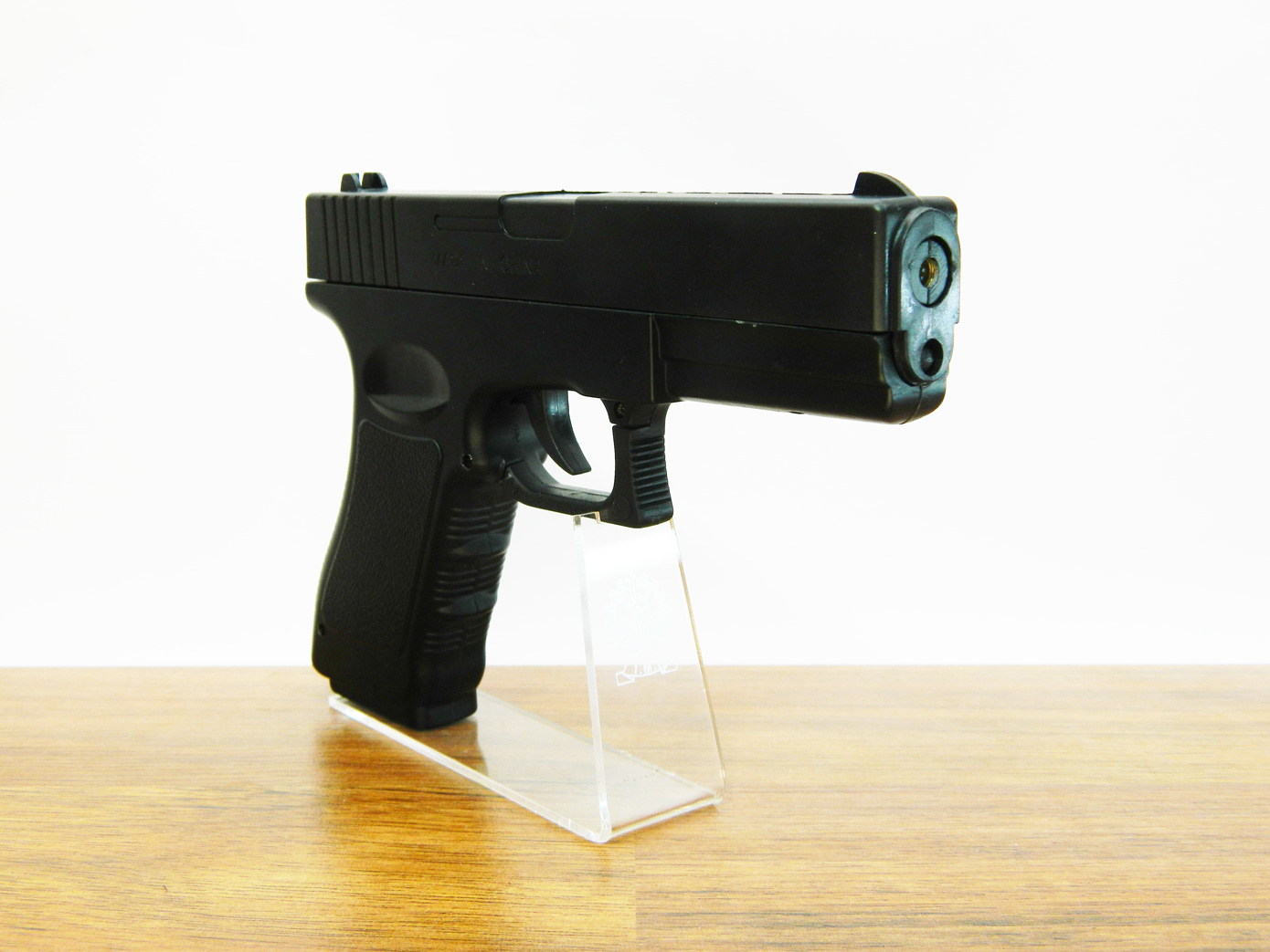 Пистолет Glock G17 изображение 1