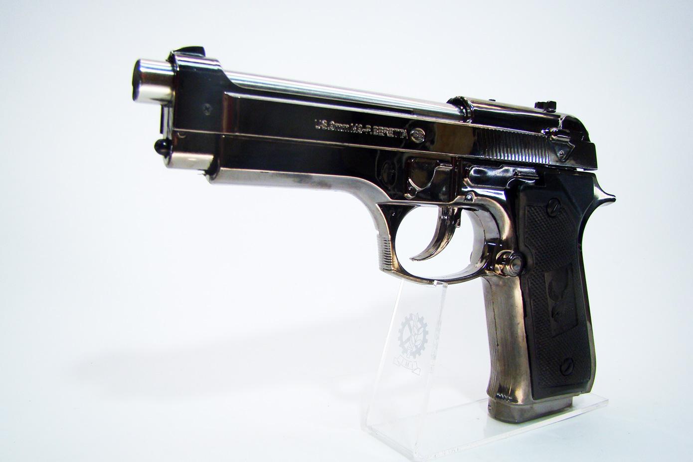 Пистолет Beretta F92 изображение 1